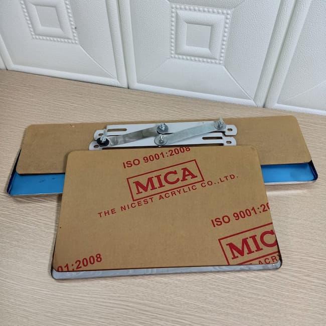 Biển số Mica, phụ kiện ô tô nâng tầm đẳng cấp xế hộp